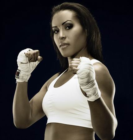 """Cecilia """"First Lady""""Braekhus Makes 19th Defense in January!"""